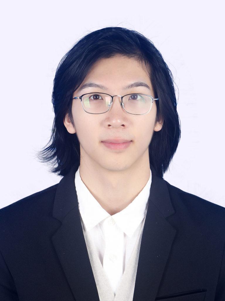 此图像的alt属性为空;文件名为卢杞梓;2015.9-至今,武汉理工大学汽车工程学院能源与动力工程学士-1.png